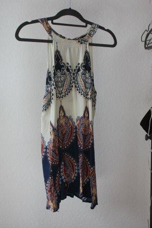 Kurzes Kleid von Lookbookstore