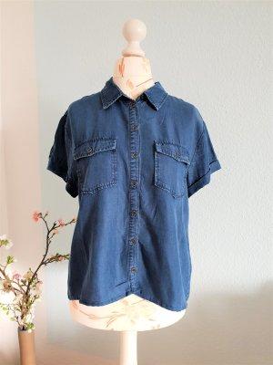 kurzes, leichtes Hemd im Jeanslook von Forever 21