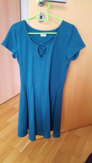 Kurzes petrolfarbenes Kleid