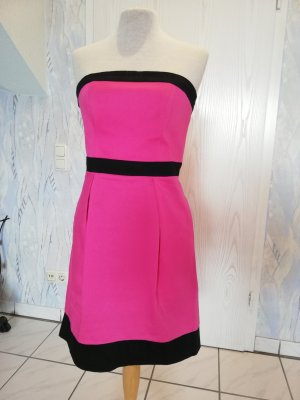 Kurzes pinkes Kleid von Lipsy London