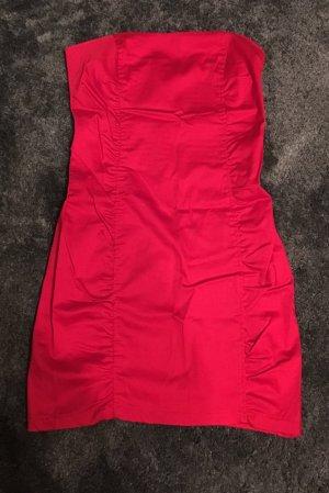 Kurzes rotes Kleid von Berschka
