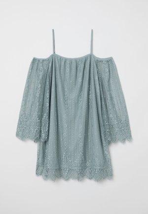 Kurzes schulterfreies Kleid aus Spitze in Graugrün/Mint