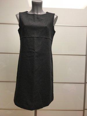 kurzes Schurwolle Winterkleid der Marke Marc O` Polo