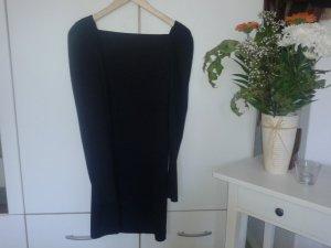 kurzes schwarzes, enganliegendes Langarmkleid