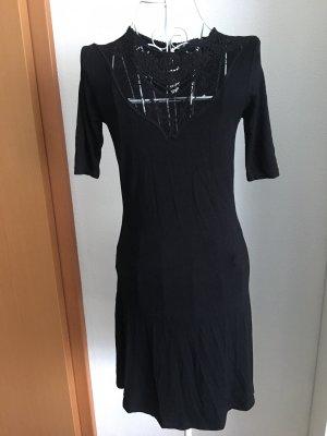 kurzes schwarzes kleid mit spitze von even&odd