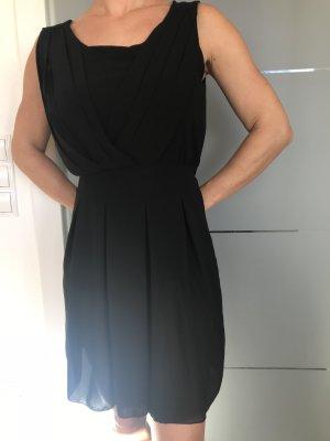Kurzes schwarzes Kleid S