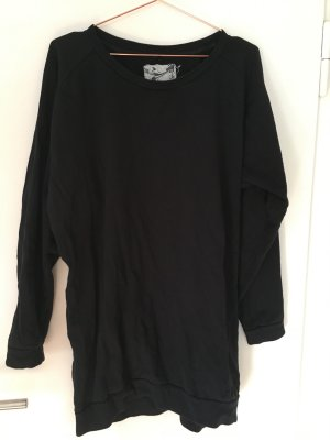 Kurzes schwarzes Sweatshirt-Kleid