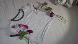 Kurzes Sommer T-shirt