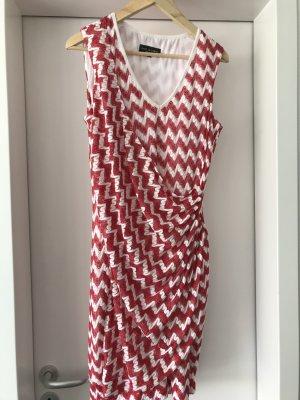 Kurzes Sommerkleid aus Polyester Größe 40
