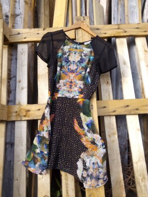 kurzes Sommerkleid, kurzärmlig
