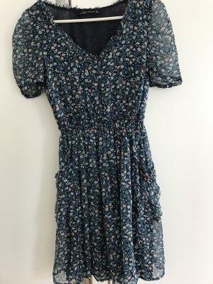 Kurzes Sommerkleid von ZARA