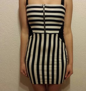 Kurzes Streifen Kleid