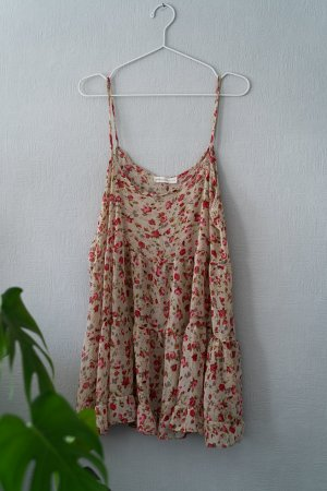 kurzes, transparentes Kleid