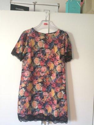 Kurzes Zara Kleid mit Blumenprint
