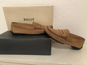 Bally Slip-on Shoes camel suede