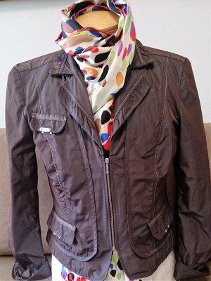Kurzjacke/Blazer von Biba mit tollem Schnitt und interessanter Farbe
