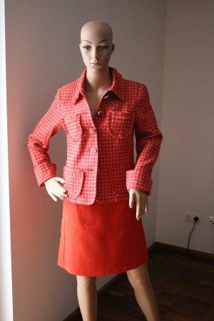 Kurzjacke von s. Oliver im Chanelstil Gr. 36 in rot