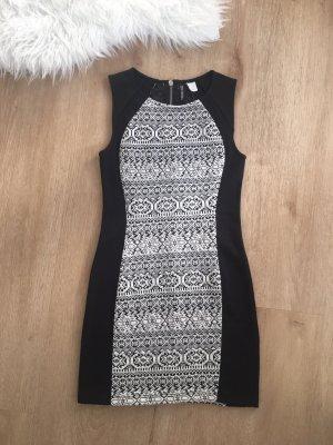 H&M Vestido elástico blanco-negro