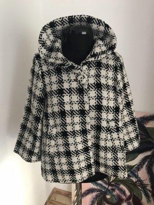 Blind Date Cape white-black wool