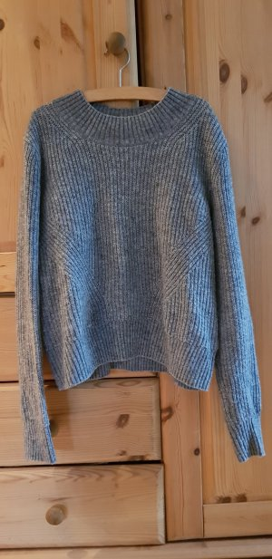 H&M Knitted Sweater light grey-grey