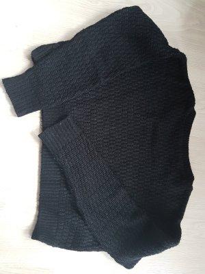 Kurzpullover in schwarz