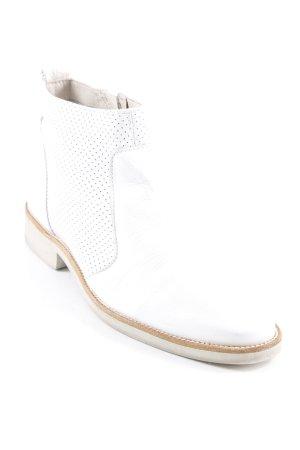 Botas bajas blanco-coñac look casual