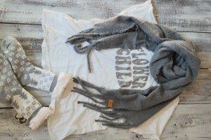 Bufanda de flecos gris Viscosa