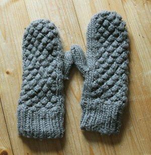 Kuschelig warme Strick-Handschuhe, olivgrün