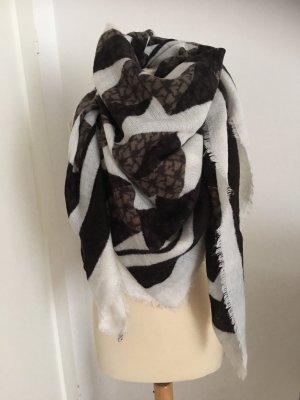 Kuschelig weicher großer Schal