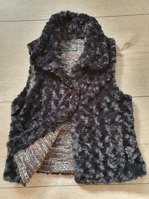 TRF Fake Fur Vest black
