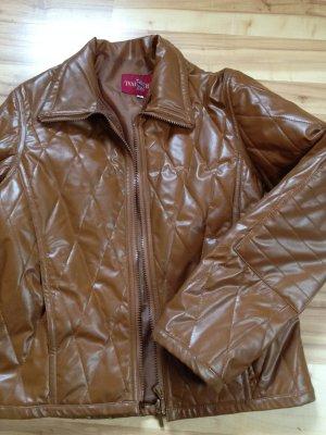 Kuschelige Gesteppte Jacke in aktueller Lackoptik