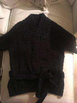 Kuschelige, kurzärmelige Strickjacke von H&M in dunkelblau