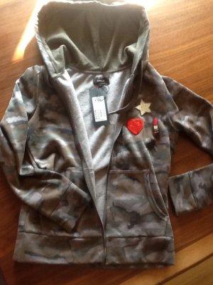 kuschelige ONLY-Sweatshirt-Jacke in Camouflage-Optik - neu mit Etikett!!