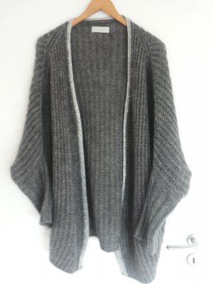 Kuschelige Oversized Strickjacke in anzhrazit