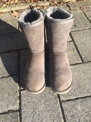Kuschelige Ugg boots in grau.