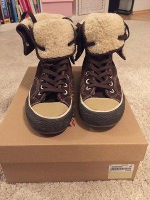 *Kuschelige Winter Sneaker*