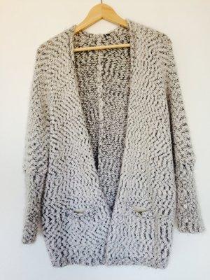 Kuscheliger Cardigan Grau Weiß Trend Wintercardigan Cosy Flauschcardigan