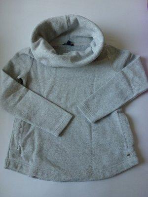 kuscheliger hellgrauer Pullover von Tommy Hilfiger