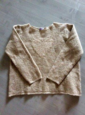 Kuscheliger Herz-Pullover