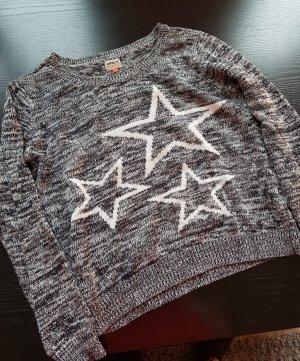 Kuscheliger Pulli mit Sternen