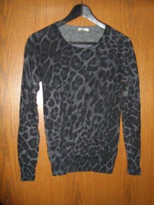 Kuscheliger Pullover mit Animalprint