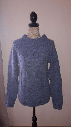 Kuscheliger Pullover von Lacoste.