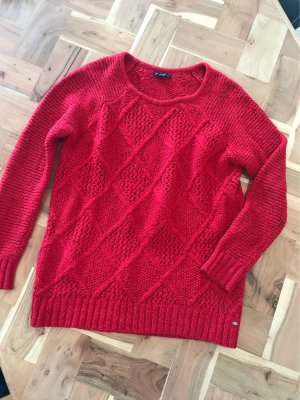 Kuscheliger, roter Pulli