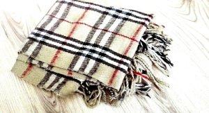 kuscheliger Schal in bekanntem Design