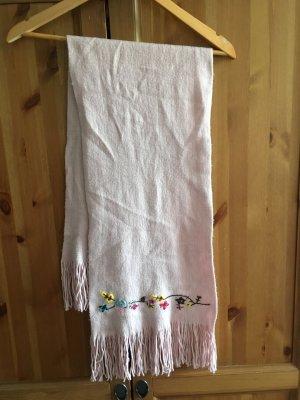 Kuscheliger Schal in schönem Rosaton
