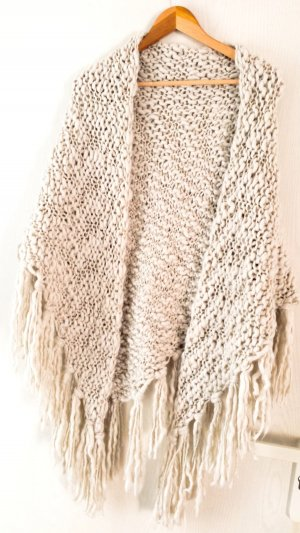 Kuscheliger Schal von s. Oliver in beige