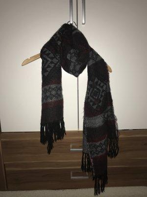 Kuscheliger Schal von Vero