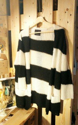 Kuscheliger Strick-Cardigan aus 28% Wolle / Mohair