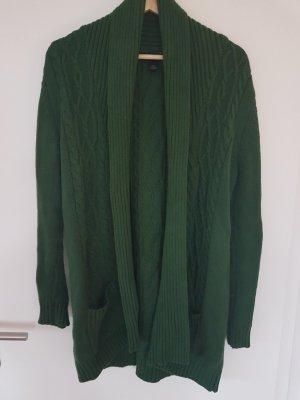 Kuscheliger Strickmantel mit Zopfmuster in waldgrün von MANGO