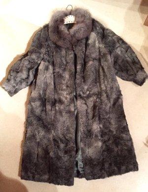 Kuscheliger und sehr hochwertiger Echtpelz Mantel